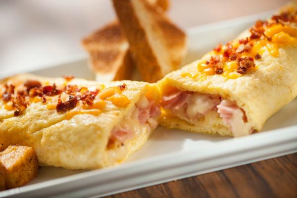 o32a Ham & Chesse Omelette 3 cortesía
